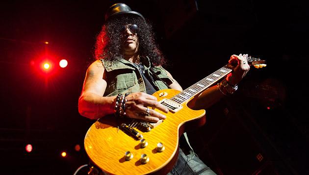 Slash zelebrierte höchste Stromgitarrenkunst (Bild: Andreas Graf)