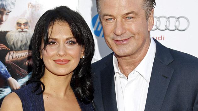 Alec Baldwin und seine schöne Frau werden Eltern (Bild: AP)