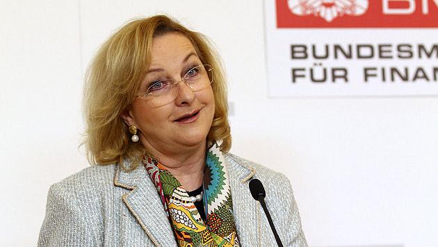 Spekulationsverbot trotz scharfer RH-Kritik unterzeichnet (Bild: APA/EXPA/Thomas Haumer)
