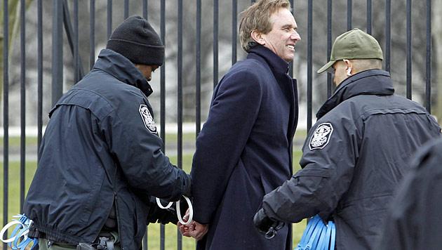 Daryl Hannah wurde wieder einmal festgenommen (Bild: AP)