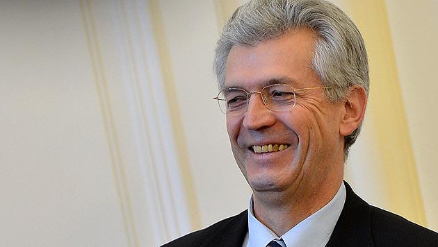 Sbg: Suspendierung von Hofrat Eduard Paulus aufgehoben (Bild: APA/BARBARA GINDL)
