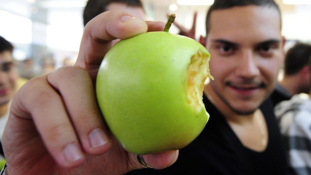 "Äpfel statt iPhones: ""Apple Shop"" benennt sich um (Bild: EPA)"