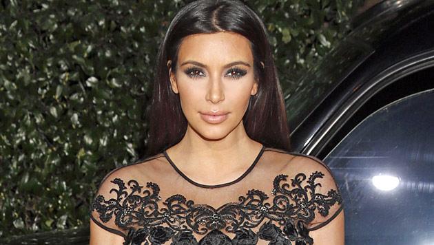 Kim Kardashian und Kanye bekommen ein Mädchen (Bild: AP)