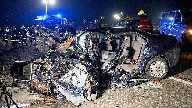Zwei Tote bei Frontalcrash in Oberösterreich (Bild: APA/Werner Kerschbaummayr)