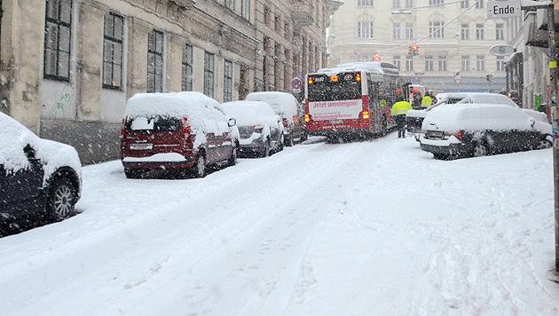Schnee im Osten sorgt für zahlreiche Unfälle und Einsätze (Bild: MA 68 Lichtbildstelle)