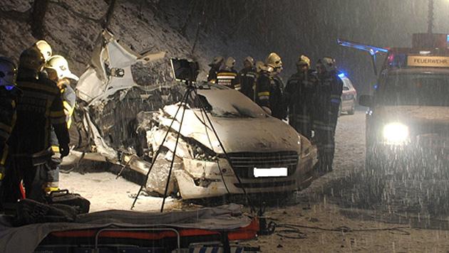 Schnee im Osten sorgt für zahlreiche Unfälle und Einsätze (Bild: FF Amstetten)