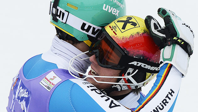 Hirscher bedankt sich bei Konkurrent Neureuther (Bild: APA/Herbert Neubauer)