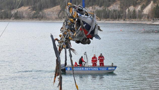 Hubschrauber in Tirol abgestürzt: Zwei Tote (Bild: APA/zeitungsfoto.at/Daniel Liebl)
