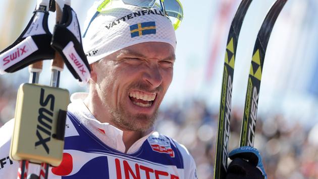 Schwede Johan Olsson gewinnt 50-km-Langlauf (Bild: AP)