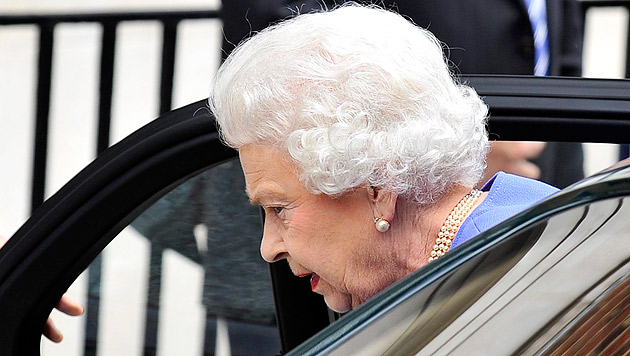 Sorge in London: Queen im Spital, Termine abgesagt (Bild: EPA)