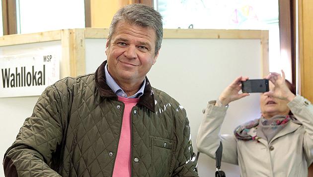 Spitzenkandidaten bei Stimmabgabe optimistisch (Bild: APA/Gert Eggenberger)