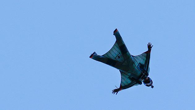 Fallschirm öffnete sich nicht - Wiener Arzt tot (Bild: EPA (Symbolbild))