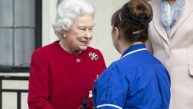 Queen Elizabeth aus dem Spital entlassen (Bild: AP)