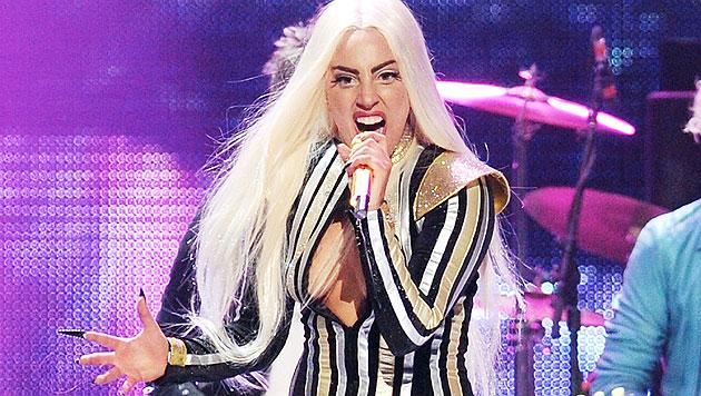 """Krankheit als """"böser Wolf"""" in Lady Gagas Märchenwelt (Bild: AP)"""