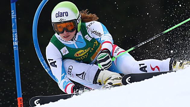 Anna Fenninger holt Sieg vor Maze und Rebensburg (Bild: EPA)