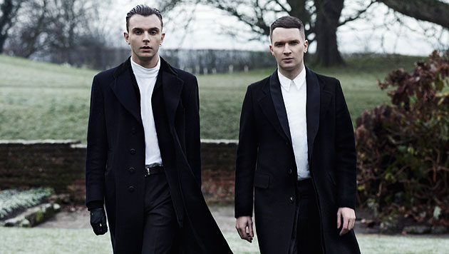 Synthie-Pop-Duo Hurts mit neuem Album in der Arena (Bild: Sony Music)