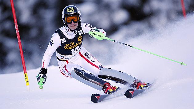 Shiffrin fängt Maze doch noch ab und holt die Slalomkugel (Bild: AP)