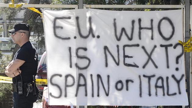 """Faymann: """"EU muss die kleinen Leute verschonen"""" (Bild: EPA)"""