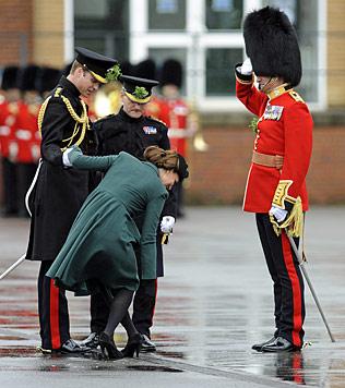"""Kate: """"Ich wünsche mir einen Buben, William ein Mäderl"""" (Bild: AFP)"""