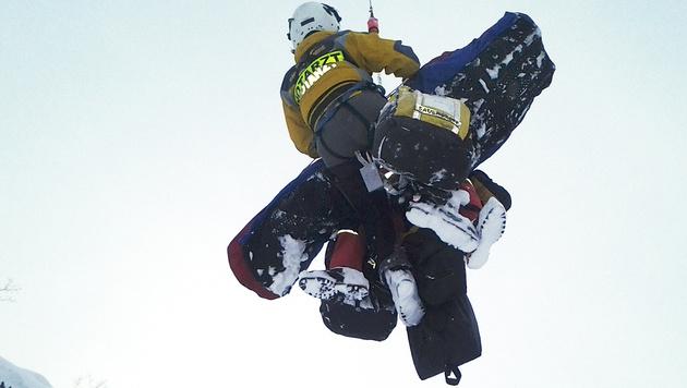 Zwei Brüder stürzen in OÖ in 20 Meter tiefe Doline (Bild: APA/BRD OBERTRAUN)