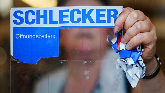 Ex-Drogeriemarktkönig Schlecker muss vor Gericht (Bild: dpa/Julian Stratenschulte)