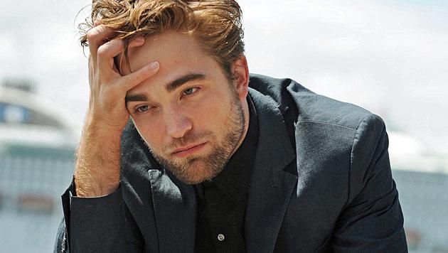 Robert Pattinson: Wilde Bettszene für Dior-Spot (Bild: EPA)