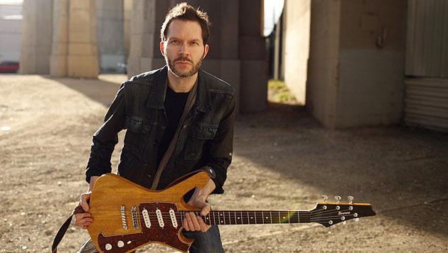 Gitarrenlegende Paul Gilbert in der Szene Wien zu Gast