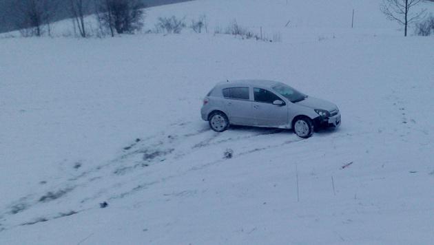 Etliche Unfälle in Österreich wegen Winterwetters (Bild: Einsatzdoku.at)
