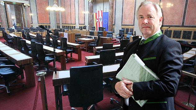 Der Bundesrat: Kaderschmiede und Ausgedinge (Bild: APA/GERT EGGENBERGER, APA/GEORG HOCHMUTH, krone.at-Grafik)