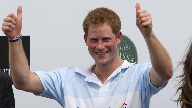 Prinz Harry nach Nacktbild-Skandal wieder in den USA (Bild: AP)