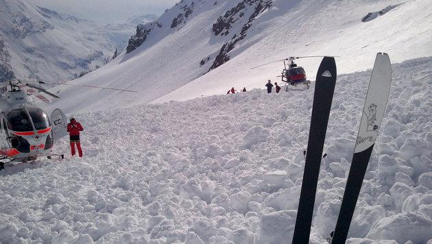 Lawinenabgänge in Tirol: Drei Menschen verschüttet (Bild: APA/BERGRETTUNG SALZBURG (Symbolbild))