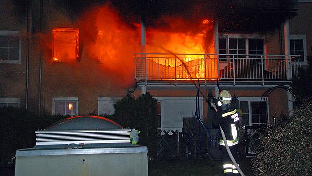 Wohnungsbrand in Niederösterreich: 36-Jährige tot (Bild: APA/Herbert Wimmer/Pressestelle BFK Mödling)