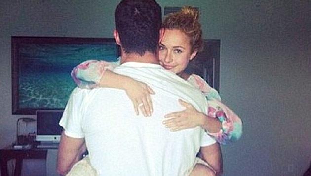 Ihren Verlobungsring zeigte Hayden Panettiere erstmals auf diesem Schnappschuss. (Bild: Instagram)