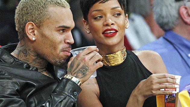 Chris Brown: Rihanna darf mit Frauen fremdgehen (Bild: AP)