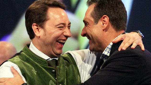 OÖ: Manfred Haimbuchner als FPÖ-Chef bestätigt (Bild: APA/Rubra)