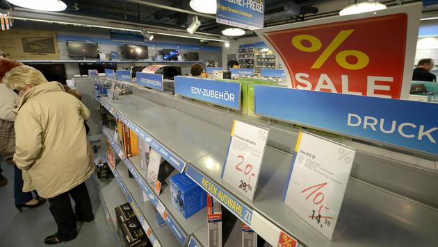 Totalabverkauf bei Niedermeyer hat begonnen (Bild: APA/ROLAND SCHLAGER)