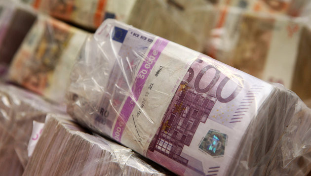 Budgetdefizit 2016 auf 5,4 Mrd. Euro gestiegen (Bild: dpa/Fredrik von Erichsen)