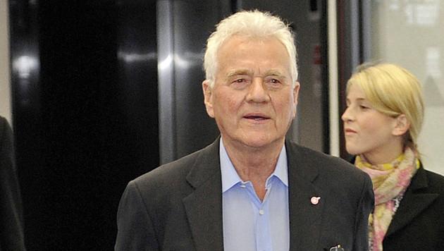 Frank Stronach unterstützt Liste Mayr bei Tirol-Wahl (Bild: APA/ROBERT PARIGGER)