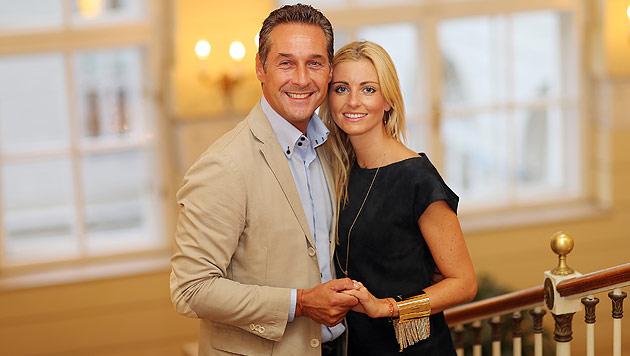 Strache und seine Andrea: Hochzeit nach der Wahl (Bild: Peter Tomschi)