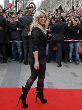 Shakiras Sohn Milan hat Talent als süßer Castingshow-Juror (Bild: AP)