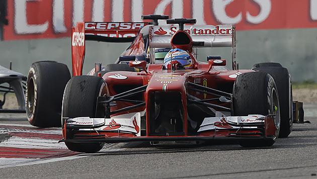 Alonso gewinnt vor Räikkönen und Hamilton, Vettel 4. (Bild: AP)