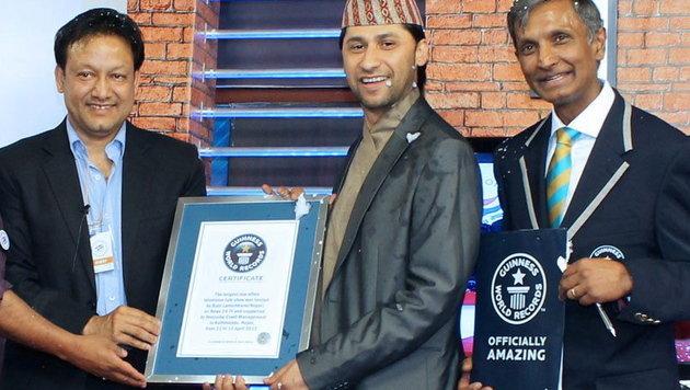 Rekord: Nonstop-Moderation in Nepal dauerte 62 Stunden (Bild: EPA)