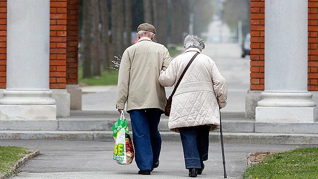 Österreicher genießen besonders lange ihre Pension (Bild: APA/GEORG HOCHMUTH (Symbolbild))