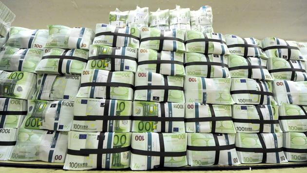 Schulden des Bundes übersteigen Vermögen deutlich (Bild: APA/HERBERT PFARRHOFER)