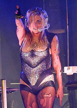 Sängerin Kesha zeigt mit Nacktbild ihren Diäterfolg (Bild: EPA)