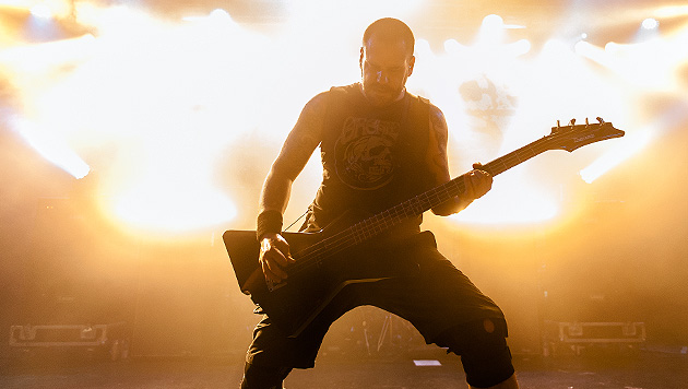 Killswitch Engage heizten in der Wiener Arena ein (Bild: Andreas Graf)