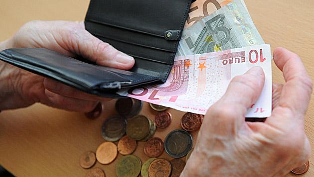 """Regierung will """"Luxuspensionen"""" kürzen (Bild: APA/BARBARA GINDL)"""