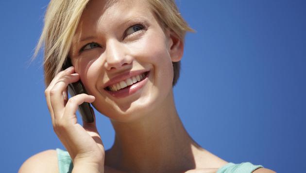 Reden am Handy immer unpopulärer (Bild: thinkstockphotos.de)