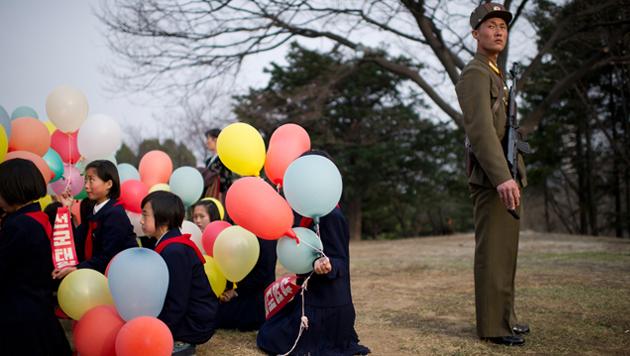 Prämiert: Die schönsten Fotos des Jahres 2013 (Bild: Ilya Pitalev, Kategorie Zeitgeschehen)