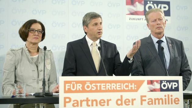 """ÖVP: """"Arbeitsplätze schaffen statt plakatieren"""" (Bild: APA/ROLAND SCHLAGER)"""